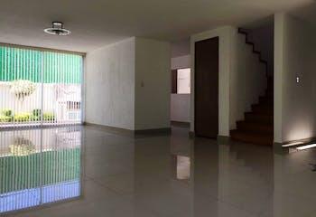 Casa en venta en Ciudad Satelite de 255 mt2. con 2 niveles.