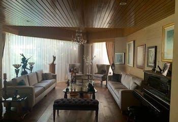 Casa en Venta en Bosque de las Lomas de 748 mt2.  con 2 niveles.