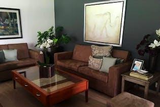 Casa en venta en Lomas de Vista Hermosa, 931mt de dos niveles.