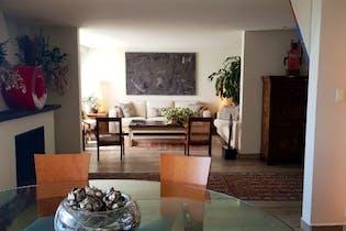 Casa en venta en Lomas de Santa Fe de 850 mt2.