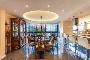 Apartamento en La Tomatera, Poblado - 290mt, cuatro alcobas, balcón