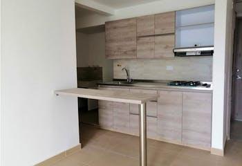 Apartamento en Loma de San Jose, Sabaneta -56mt, dos alcobas, balcón