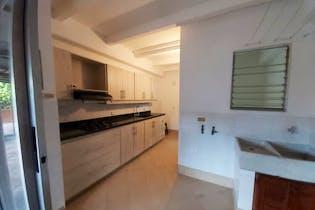 Apartamento en Los Balsos, Poblado - 145mt, tres alcobas, balcón