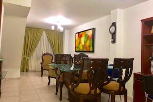 Casa en venta en Barrio Laureles con acceso a Solarium