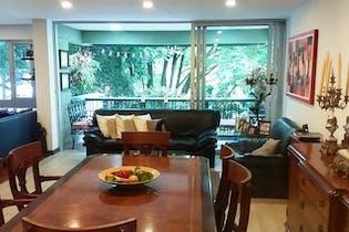 Apartamento en Santa Maria de los Angeles, Poblado - Tres alcobas