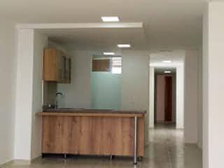 Una vista de una sala de estar y una sala de estar en Apartamento en La Floresta, La America - Tres alcobas