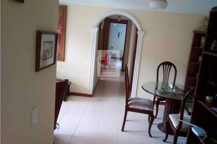 Portada Apartamento en Loma de los Bernal, Belen - 68mt, tres alcobas, balcón