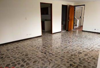 Apartamento en La Abadia, Envigado - 111mt, tres alcobas, balcón