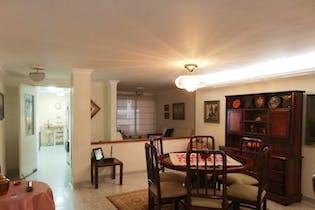 Apartamento en Laureles, Laureles - 145mt, cuatro alcobas, balcón