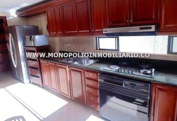 Apartamento en venta en Los Balsos de 4 hab.