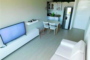Apartamento en Loma de los Bernal, Belen - 57mt, tres alcobas, balcon