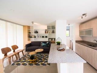 Una sala de estar llena de muebles y una mesa en Nórdica