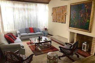 Casa en venta en Barrio Cedritos de 4 hab. con Jardín...