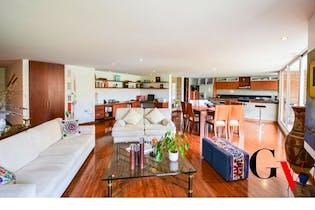 Apartamento en Bosque de Pinos- Usaquen, Con Tres alcobas-205 mt2
