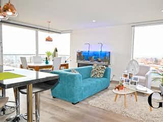 Una sala de estar llena de muebles y una ventana en Apartamento en venta en Chapinero Alto, 85m² con Bbq...