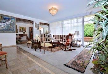 Casa En Niza-Barrio Niza, con 5 Habitaciones - 401 mt2.
