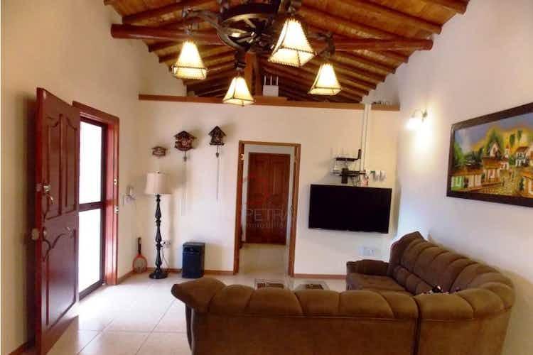 Portada finca en Guarne-Antioquia, con 5 Habitaciones - 5000 mt2.
