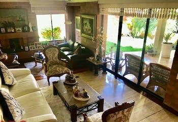 Casa en El Poblado-Los Balsos, con 5 Habitacioens - 283 mt2.
