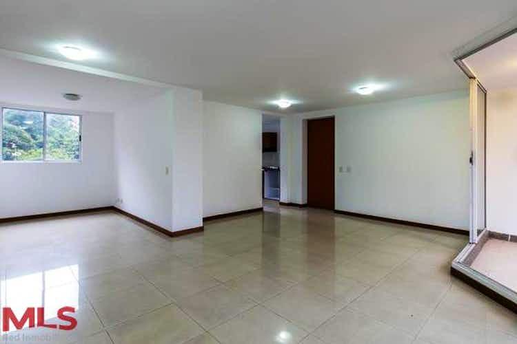 Portada Apartamento en El Tesoro, Poblado - 103mt, tres alcobas, balcón