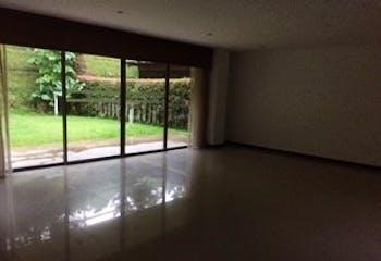 Casa en Loma del Chocho, Envigado - 340mt, tres alcobas, terraza