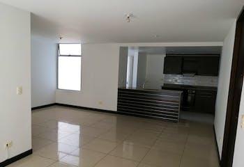 Apartamento en Loma del Indio, Poblado - 95mt, tres alcobas, balcón