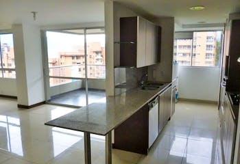 Apartamento en Los Balsos, Poblado - 124mt, dos alcobas, balcón