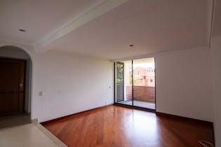 Apartamento en Las Palmas, Poblado - 132mt, tres alcobas, balcón