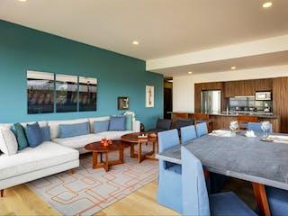 Una sala de estar llena de muebles y una mesa en Maranta Bosques