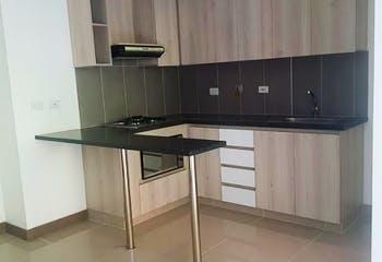 Apartamento en La Cuenca, Envigado - 70mt, tres alcobas, balcón