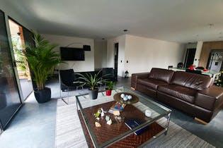 Apartamento en Las Lomas, Poblado - 178mt, tres alcobas, balcón