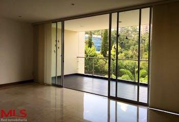 Apartamento en Los Balsos, Poblado - 235mt, tres alcobas, balcón