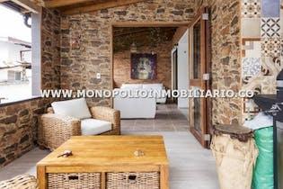Apartamento en Astorga, Poblado - 142mt, dos alcobas, balcón