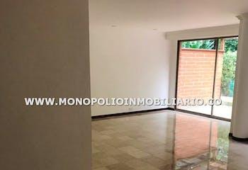 Casa en Los Balsos, Poblado - 177mt, tres alcobas,terraza