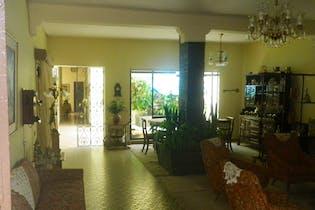 Casa en La América-La Floresta, con 4 Habitaciones - 230 mt2.