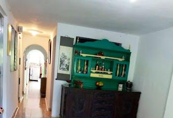 Casa en Conquistadores, Laureles, 4 habitaciones- 90m2.