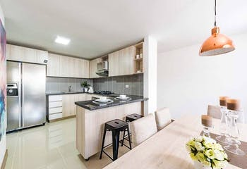 Apartamento en La Cuenca, Envigado - 110mt, tres alcobas, balcón