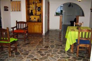 Apartamento en Las Acacias, Laureles - 165mt, tres alcobas, balcón