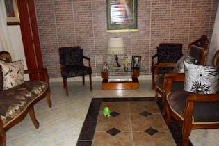 Casa en San Javier, La America - 154mt, cinco alcobas, dos patios
