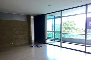 Apartamento en Las Palmas, Poblado - 280mt, cuatro alcobas, balcón