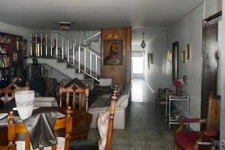 Casa en Calazans, La America - 285mt, cinco alcobas, balcón