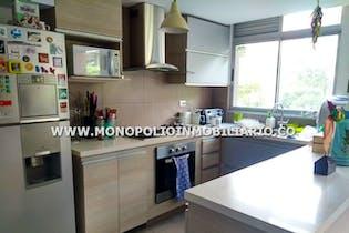 Apartamento de 103m2 en El Poblado, Castropol - con tres habitaciones