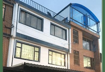 Casa en Santa Helenita, Bogotá - de tres niveles