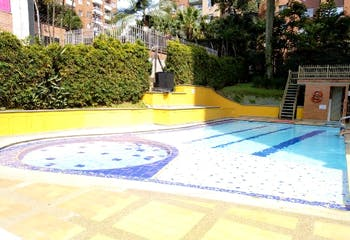 Apartamento en venta en Loma De Los Bernal con Piscina...