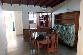 Casa en venta en La Castellana de 4 alcobas