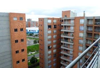 Apartamento en icata, Bogotá Tiene 2 garajes independientes y 1 depósito. El conjunto cuenta con piscina.