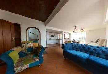 Venta de Casa en Santa Barbara Occidental, Bogotá con 197mt, 3 niveles.