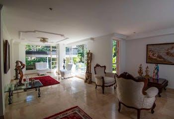 Casa en venta en Las Lomas, 303m² con Zonas húmedas...