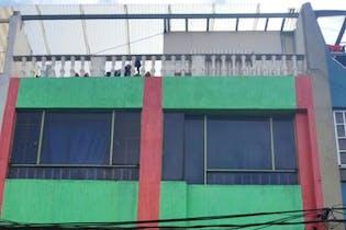 Casa en Engativa-Bogotá, cuenta con 5 habitaciones,