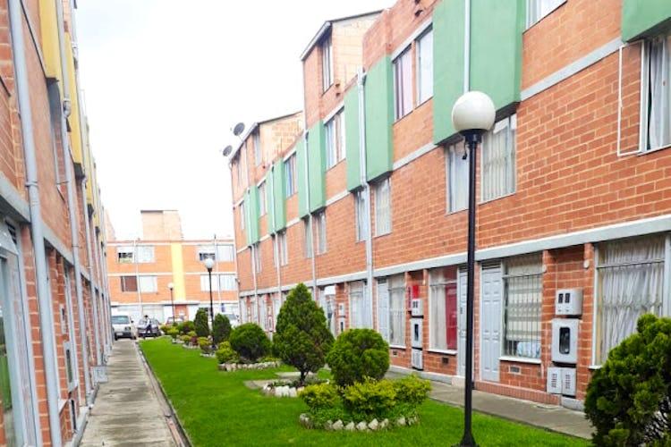 Portada Casa en suba pinar, Bogotá la habitación principal con altillo