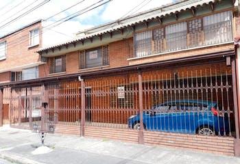 Casa en Bolivia-Engativa, con 5 Habitaciones - 338 mt2.